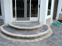 Multiple types of pavers in one patio